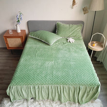 Load image into Gallery viewer, Fluffy Faux Mink & Velvet Fleece Bed Set - Soft Green