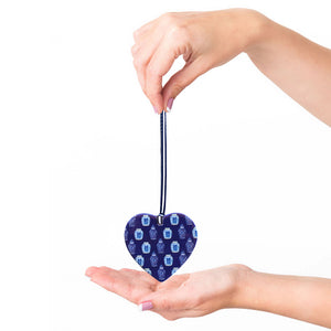 Blue and white ceramic ornament -  little ming jar love heart
