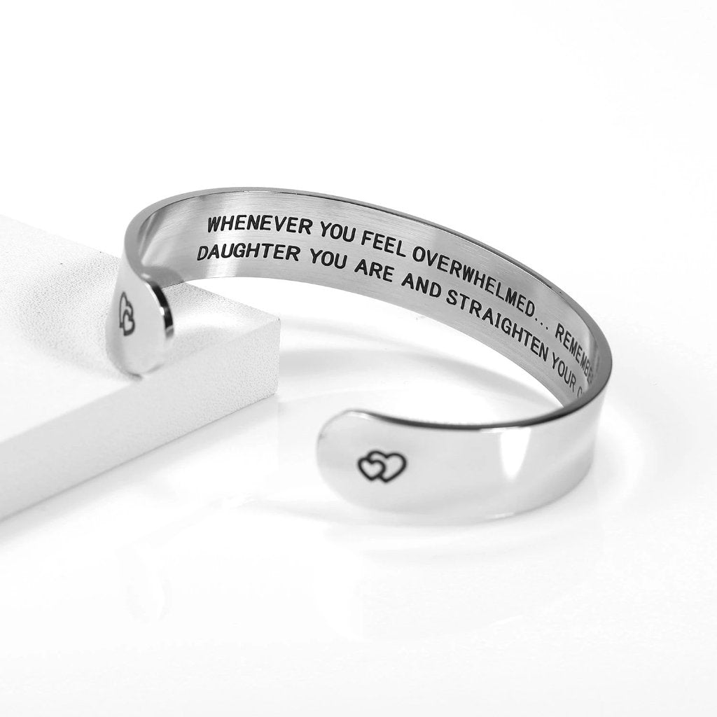 Encoreusa Niece Straighten Your Crown Bangle