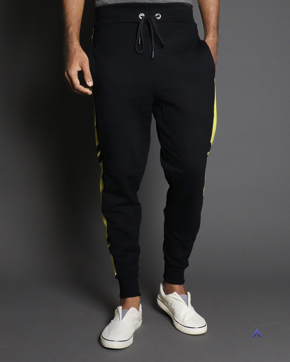 Nuonce jogger in black for men