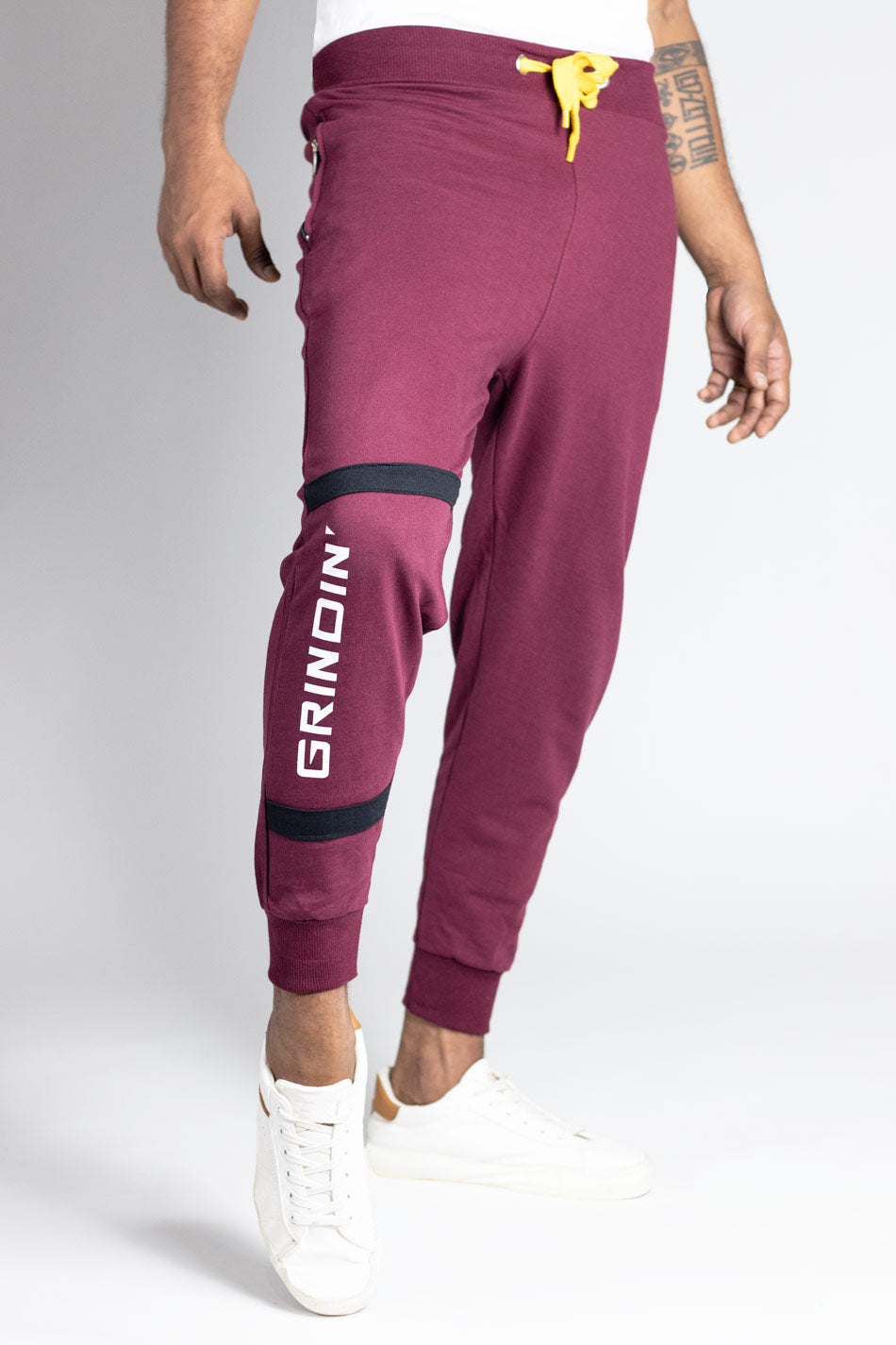 Cotton jogger in burgundy by wildgear