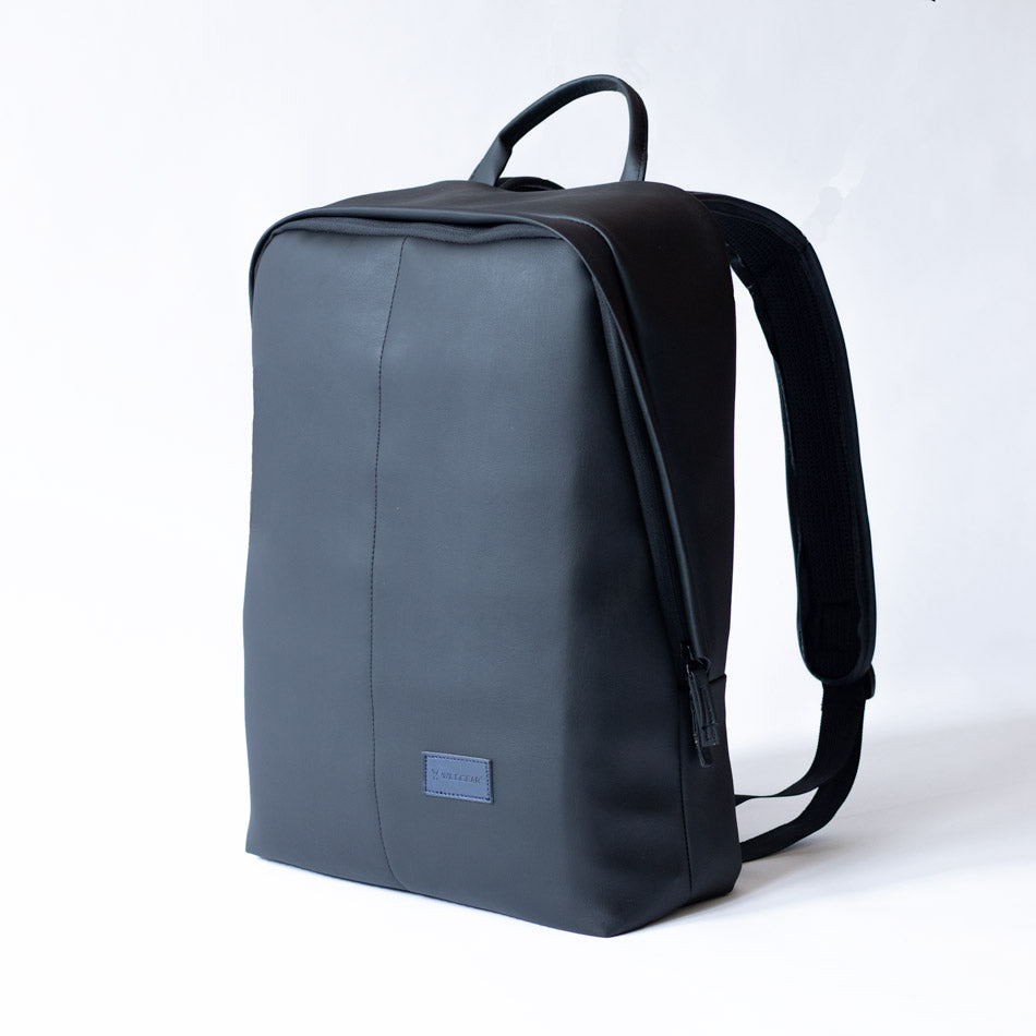 Black laptop backpack for men and women
