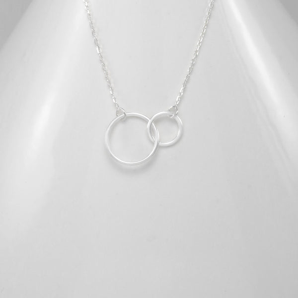 Sterling silver interlocked circle necklace