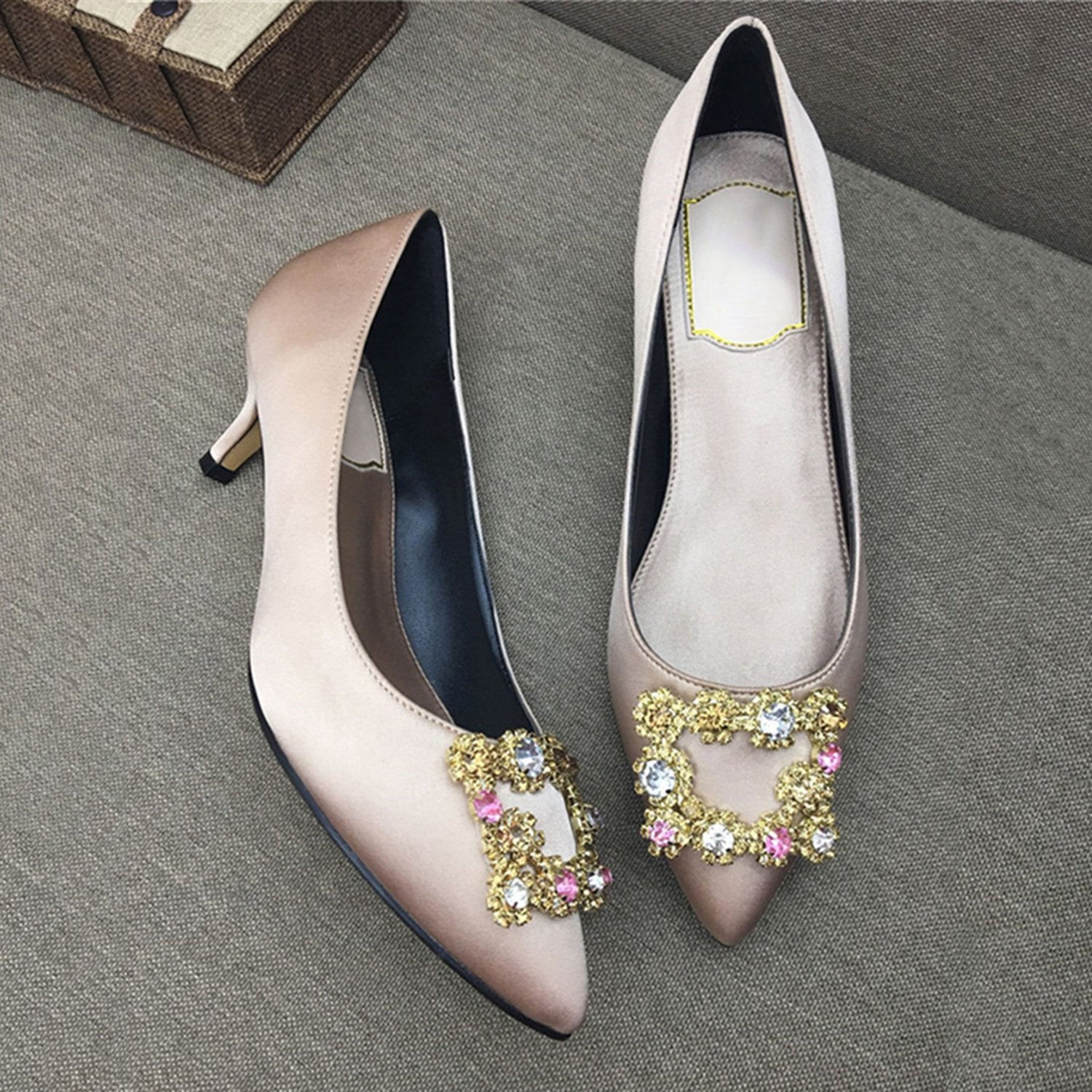 Pointed Toe Low Heel Shoe(Silk)