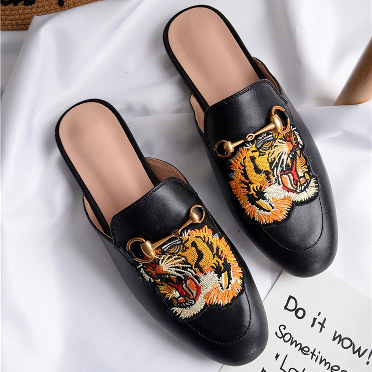 Casual Fashion Leather Tiger Pattern Velvet Slippers Mules