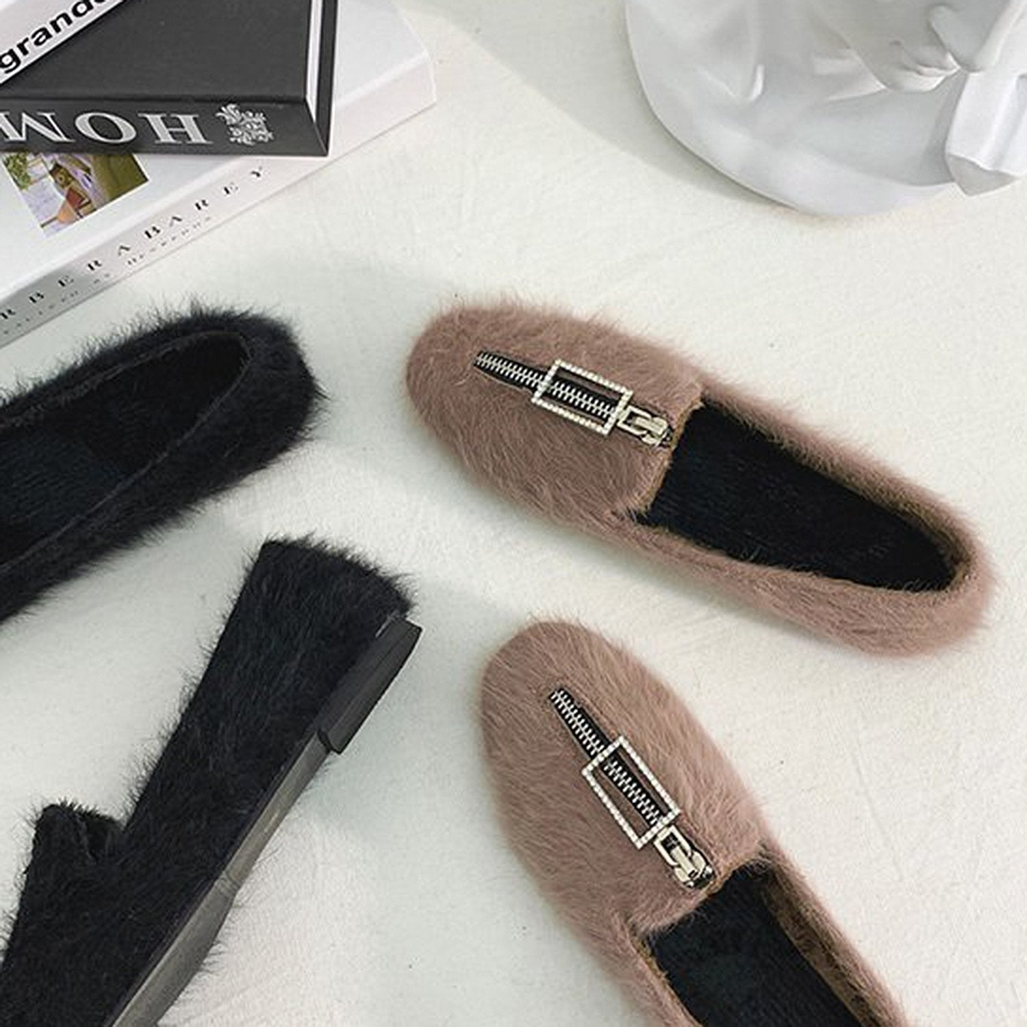 Round Flat-Bottom Buckle Fur Loafers