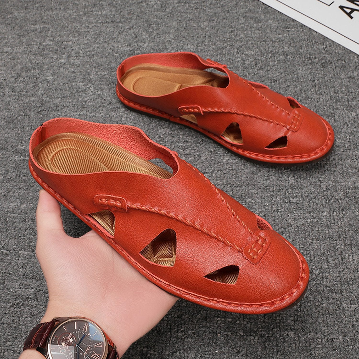 Men's V-shaped Leather Mules