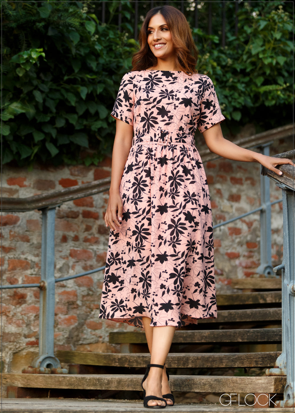 Printed Dress with Short Sleeves
