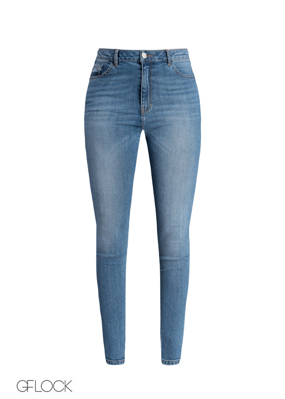 High Rise Light Washed Jean