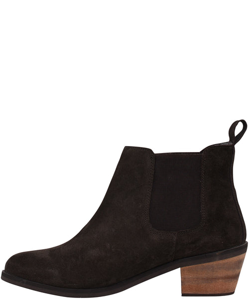 Chelsea Boot With Heel