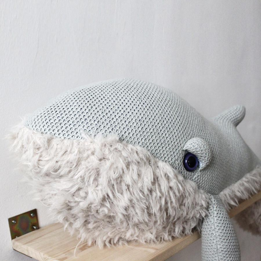 "Cushion Animal ""Big GrandMa Whale"""