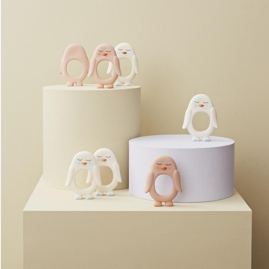 "Teether ""Baby Penguin White"""