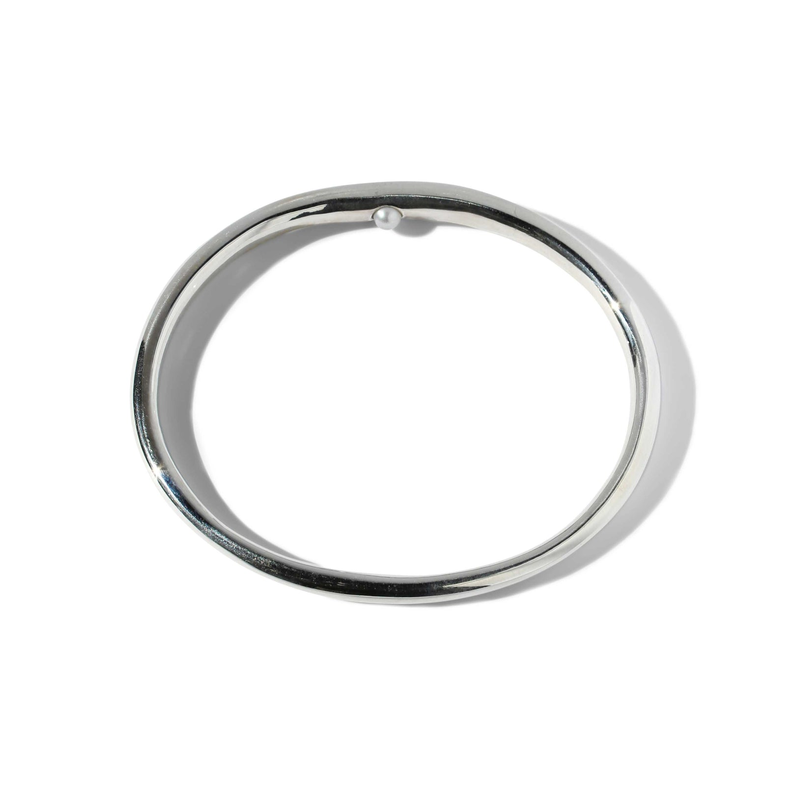 Peering Pearl Bangle - Sterling Silver