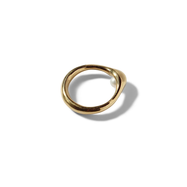 Peering Pearl Ring - Solid 9ct Yellow Gold