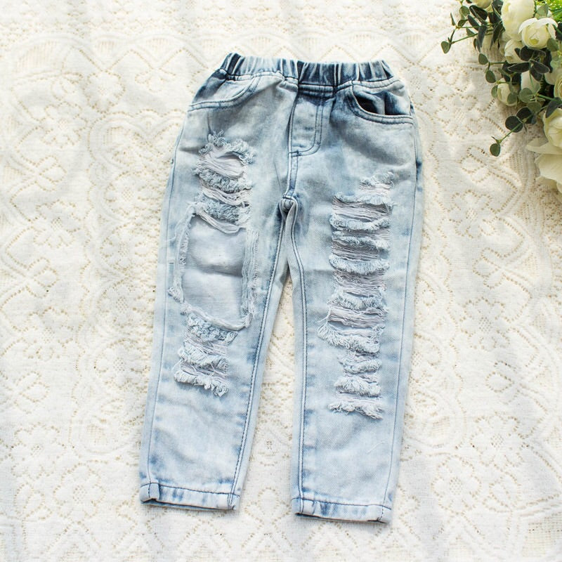 Arlo Distressed Jeans