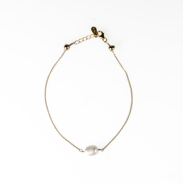 Back to basics single pearl bracelet