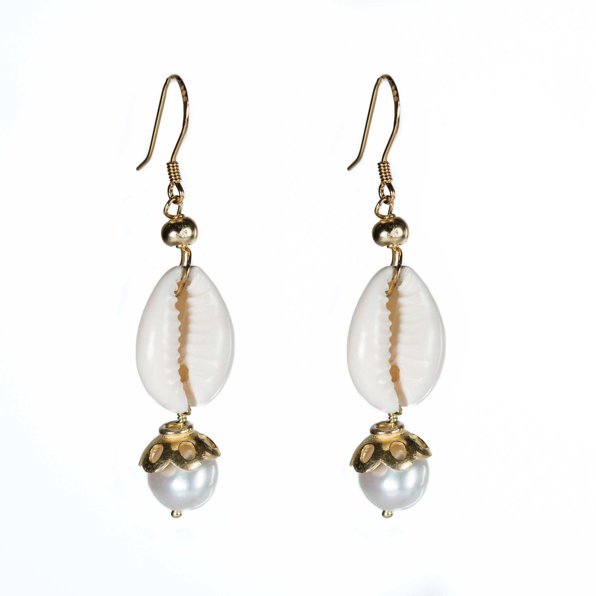 Bombom Heat Cowrie Shell Pearl Earrings