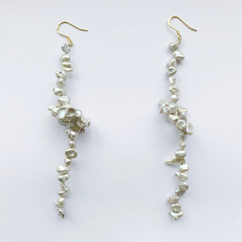 Bombom Fly Pearl knot Earrings