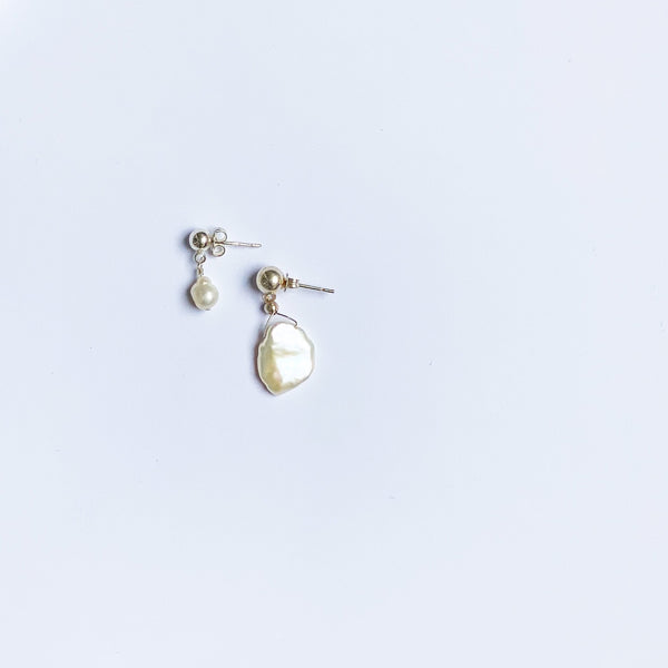 round pearl earring with round post earring