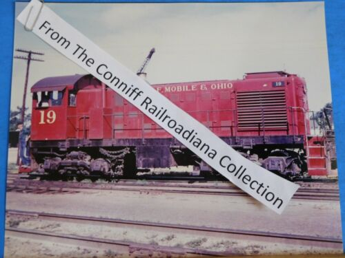 Photo Gulf Mobile & Ohio Locomotive #19 8X10 Color