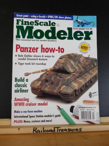 FineScale Modeler 2002 May PAnzer how to Build a classic airlinerWWII cruiser
