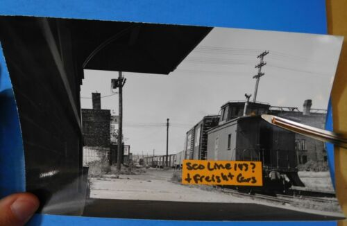 PHOTO SOO Line Caboose #143? And Freight Cars 4 5/8 x 7 ½