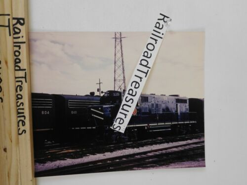 Photo Missouri Pacific Locomotive #535 8 x 10 Color MP New Orleans LA 1/12/1972