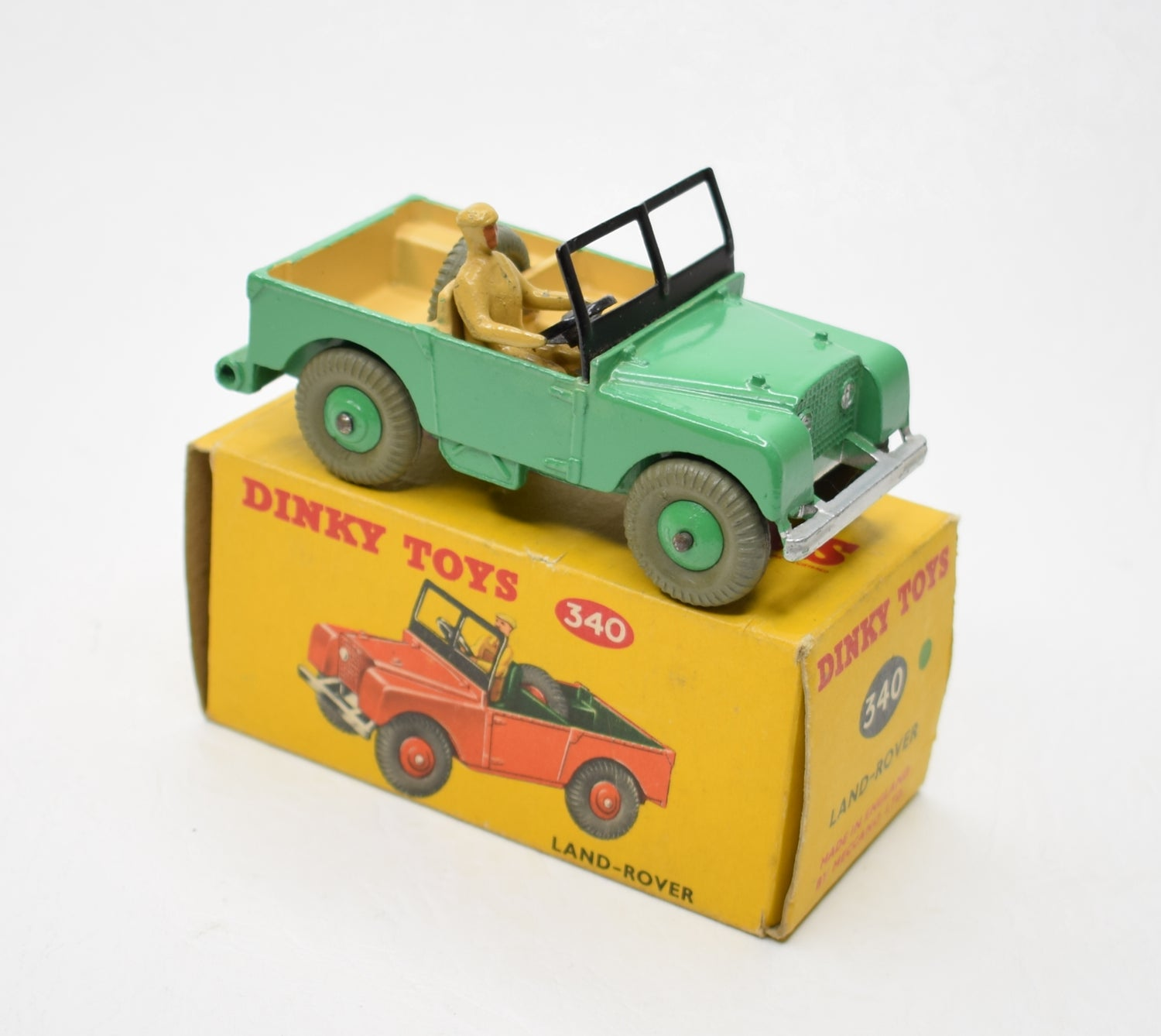 Dinky Toys 340 Land-Rover Very Near Mint/Boxed (C.C)