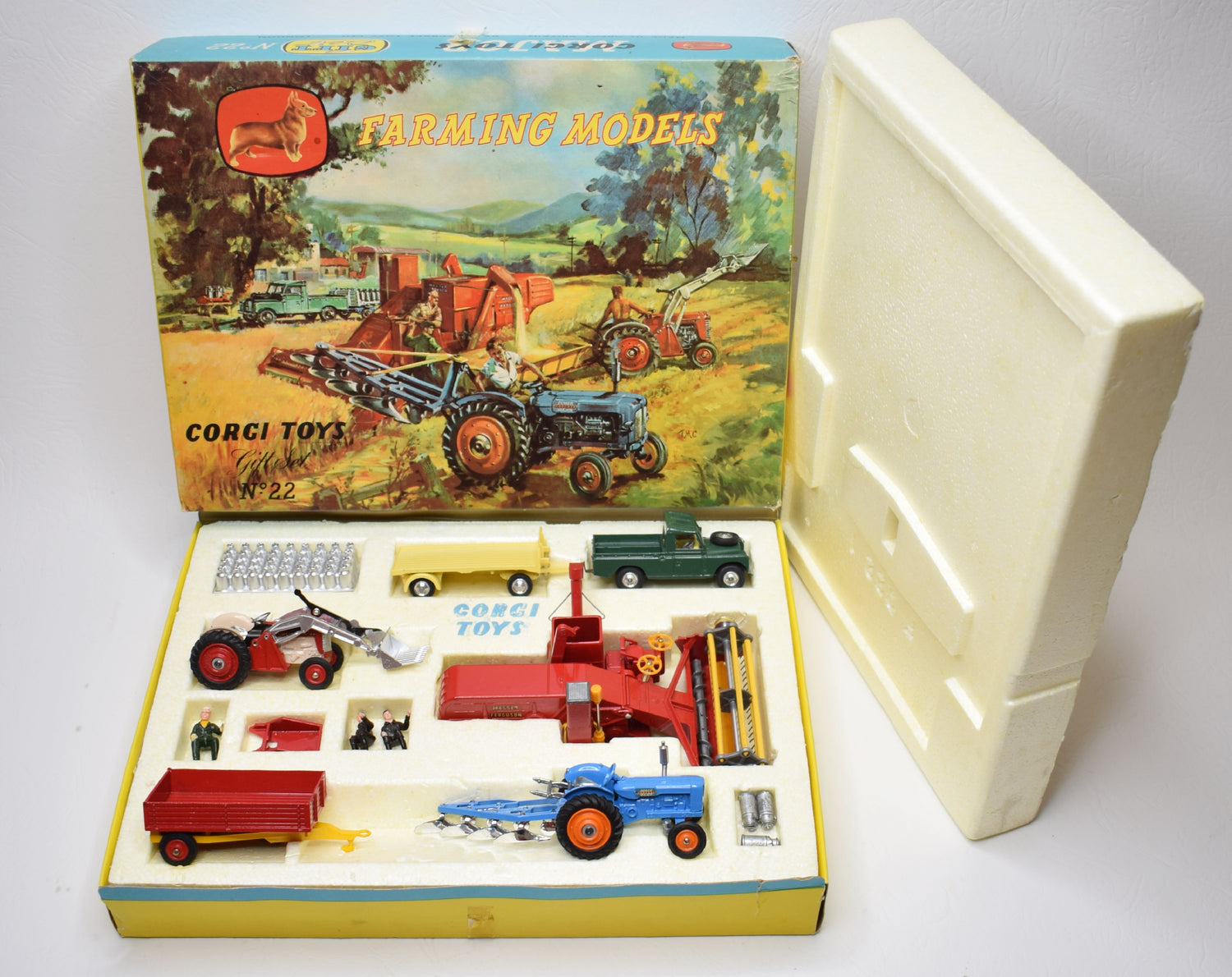 Corgi toys Gift set 22 'Farming set' Very Near Mint/Boxed (1st issue 2nd type).