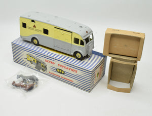 Dinky toys 979 'NEWMARKET'  Horse Box Virtually Mint/Boxed