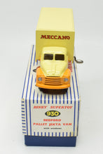 Dinky toys 930 Pallet-Jekta Van Very Near Mint/Boxed 'Carlton' Collection