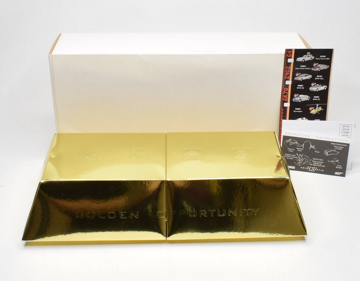 Corgi Classic Bond Aston Martin DB5 'Gold Ingot' 1st issue Mint/Boxed The 'Geneva' Collection