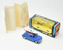 Spot-on 274 Morris 1100 & Canoe Very Near Mint/Boxed