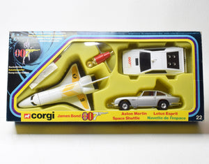 Corgi toys Gift set 22 James Bond Very Near Mint/Boxed ('Valencia' Collection)