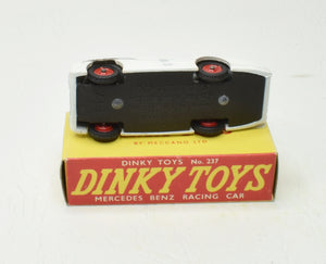 Dinky toys 237 Mercedes Benz Virtually Mint/Boxed (Late issue with one RN)