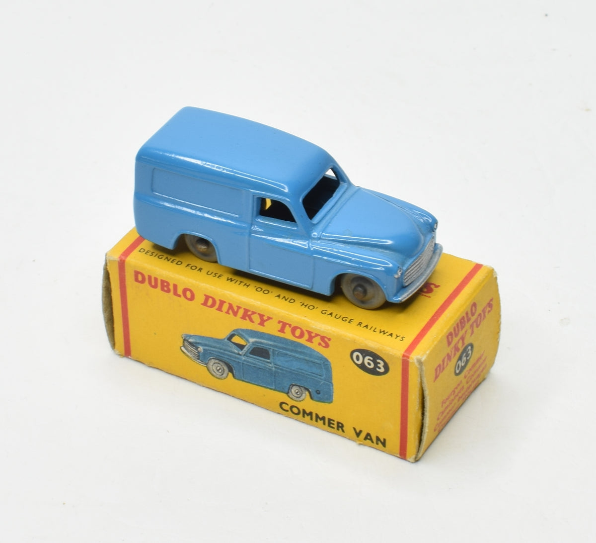 Dublo Dinky toy 063 Commer Van Very Near Mint/Boxed