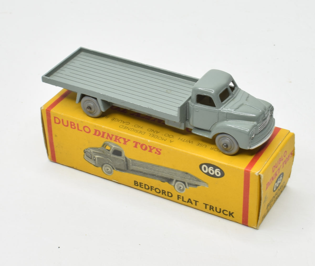Dublo Dinky toy 066 Bedford Flat truck Very Near Mint/Boxed