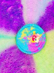 Unicorn bath bomb for kids from Cocobubble