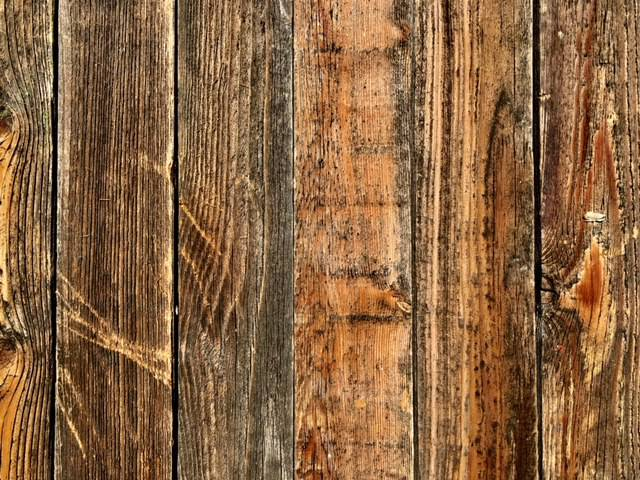 Accent Wall Cover Reclaimed Wood Brown PICK UP ONLY
