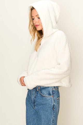 products/Cream_Fuzzy_Fleece_Half_Zip_Jacket_white.jpg