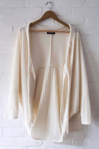 products/slouchy_knit_cardigan_d1fa1310-f105-47be-9470-5e61cf0fe4e4.jpg
