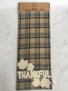 Harvest Plaid Runner with Thankful and Leaves
