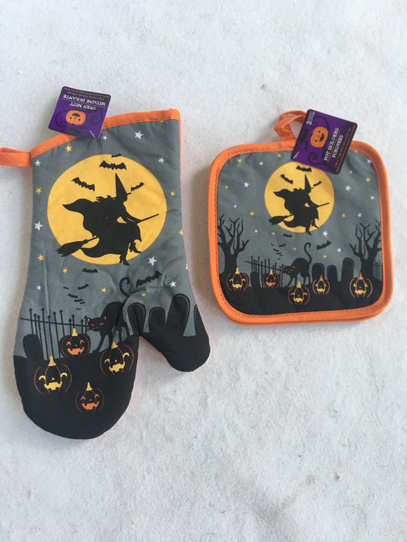 Halloween Happy Haunting Kitchen Oven Mitt or Pott Holders