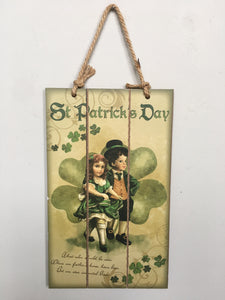 Saint Patrick's Day Old Fashioned Couple Dancing Wall Hanging