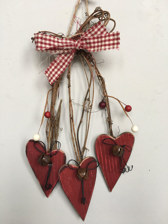 Valentine Cascading 3 Tiered Hearts Wall Hanging