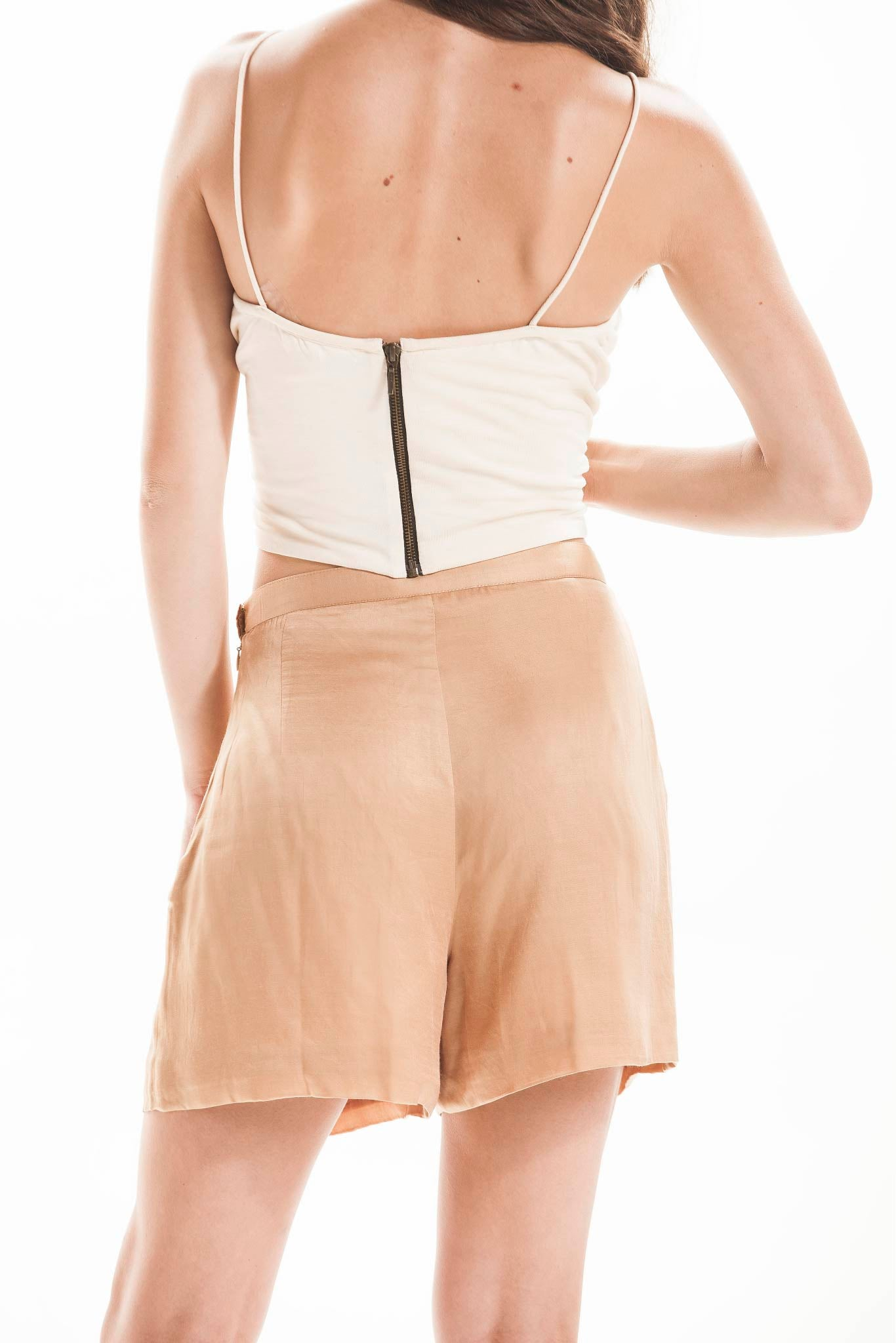 SAND PLEATED SHORTS