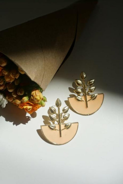 TULSI EARRINGS (PALE PEACH)