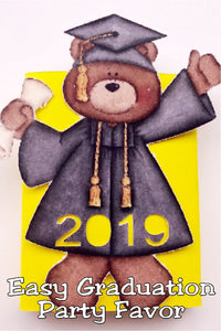 Create a fun and easy graduation party favor with this graduation bear and a pack of gum.  #graduationpartyfavor #easygraduationpartyfavor #graduationcutfile