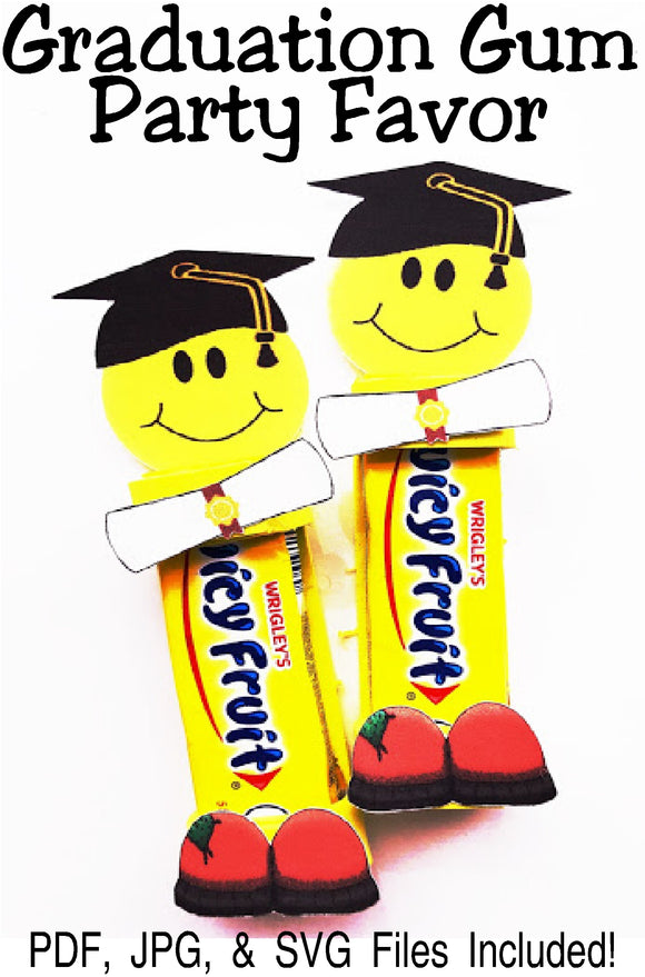 Celebrate graduation time with these fun party favors filled with smiles and gum. These unique graduation party favors will be the hit of the party. #graduationparty #graduationpartyfavor #gumfavor