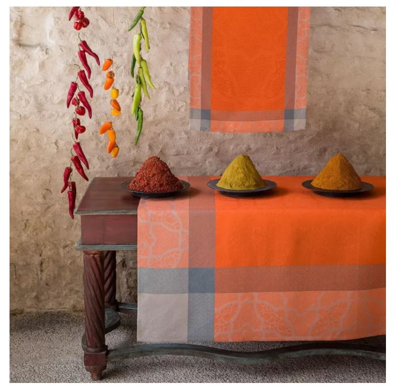 Le Jacquard Francais, Pondichery in Spices, Table Runner